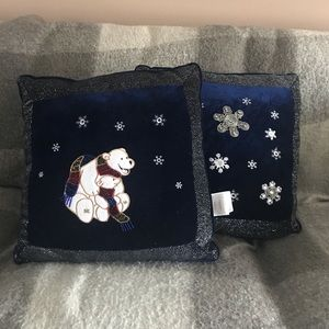 ✨2 FOR 1✨ Winter Decorative Pillows